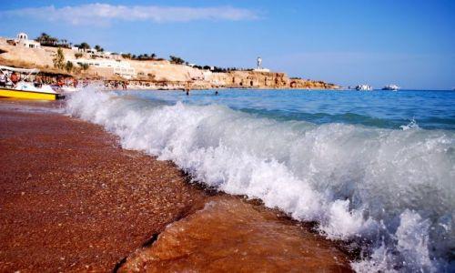 Zdjęcie EGIPT / Synaj / Sharm el Shaikh-plaża Hadaba / Niespokojne Morze Czerwone??