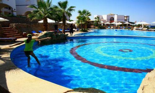 EGIPT / Sharm El Sheikh / Basen Hotelowy / Ucząc się chodzić po wodzie:)