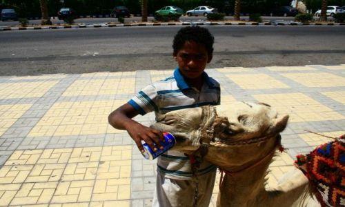 EGIPT / Sharm El Sheikh / Przed MArketem / Wcinając Pepsi:)