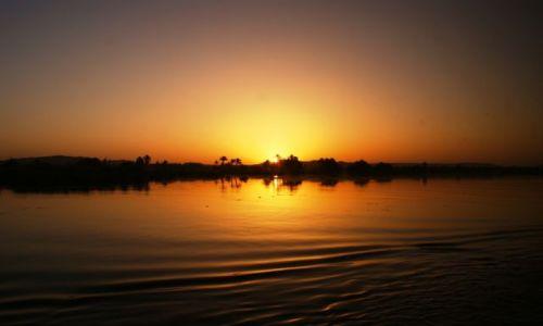 Zdjęcie EGIPT / Nil / Nil / Zachód słońca nad Nilem