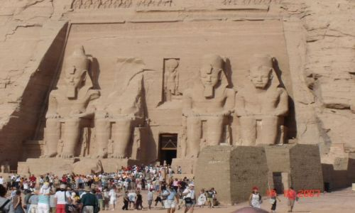 Zdjecie EGIPT / - / Abu Simbel / Świątynia w Abu Simbel