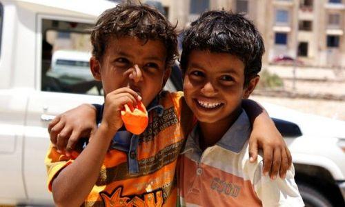 Zdjecie EGIPT / Dahab / Dahab / I jeszcze raz radość chłopaczków z baloników pewnego banku(którego notabene nielubię)