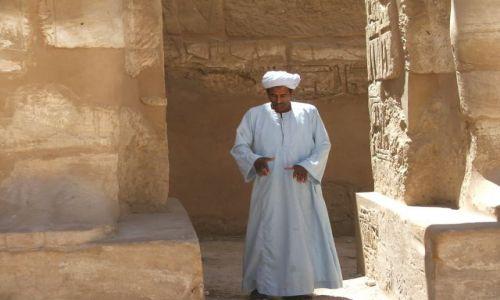 Zdjecie EGIPT / brak / LUXOR  / GDZIEŚ W ŚWIĄTYNI KARNAK