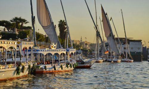 Zdjęcie EGIPT / Luksor / Luksor / Statki na Nilu