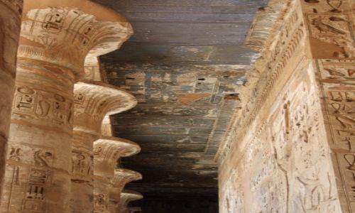 Zdjecie EGIPT / Luksor / Madinat habu / Świątynia Ramzesa III