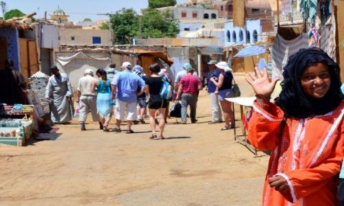 Zdjęcie EGIPT / - / Assuan / Nubijska dziewczyna