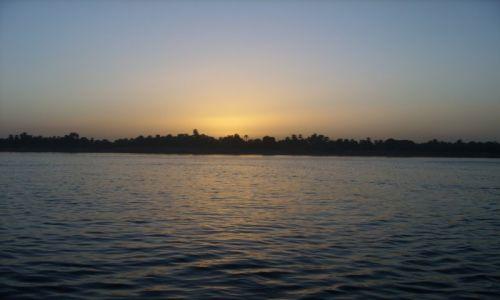 Zdjecie EGIPT / Luxor / Nil / Zachód słońca nad Nilem