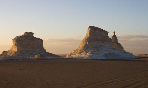 Zdjecie EGIPT / Sahara / Biała Pustynia / Forteca