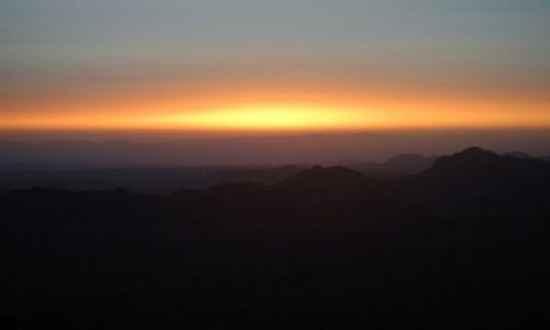 Zdjecie EGIPT / Półwysep Synaj / Góra Świętej Katarzyny / wschód słońca