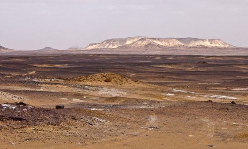 Zdjęcie EGIPT / Sahara / tam / Czarna Pustynia