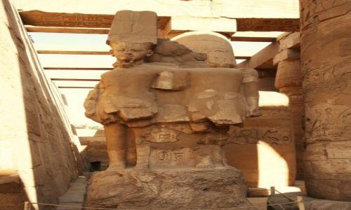 Zdjecie EGIPT / Górny Egipt / Karnak, świątynia Amona-Re / Pomnik Amona-Re