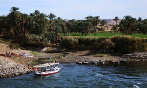 EGIPT / Edfu / Nad Nilem / Przystań