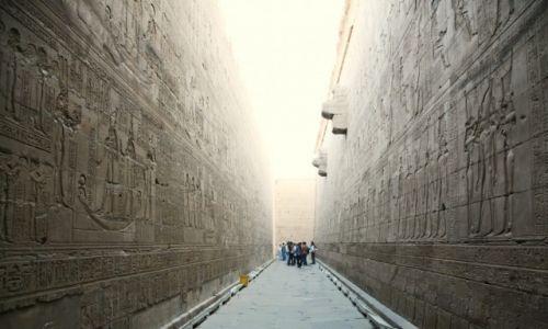 Zdjęcie EGIPT / Edfu / Świątynia Horusa / Jasność