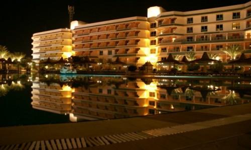 Zdjecie EGIPT / Hurgada / Hurgada  / Hotel nocą ,