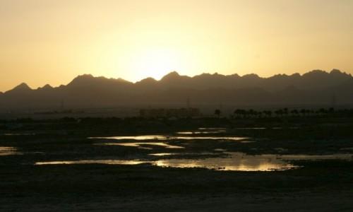 EGIPT / wybrzeże morza Czerwonego / Hurghada / zachód słońca