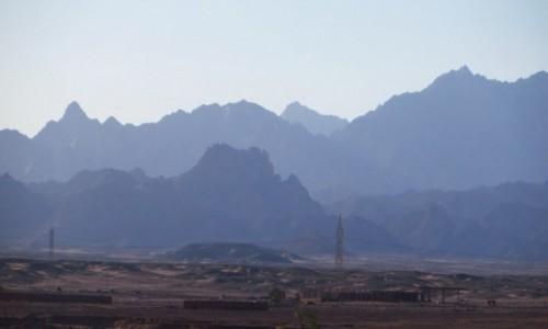 Zdjęcie EGIPT / Pustynia Arabska / Safaga / po zachodzie słońca
