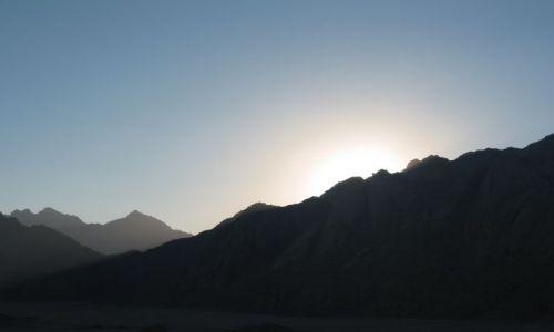 Zdjecie EGIPT / Hurghada / Wioska Beduińska, Safari / Zachód słońca