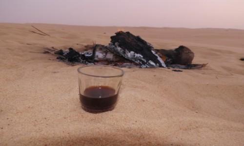 Zdjecie EGIPT / Afryka / Kair / siwa herbata na pustyni