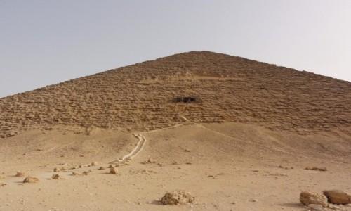 Zdjecie EGIPT / Afryka / Kair / piramida czerwona wejście