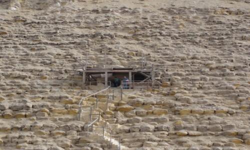 Zdjecie EGIPT / Afryka / Kair / piramida czerwona wejście1
