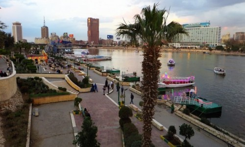 Zdjęcie EGIPT / Kair / Kair - wyspa Gezira / skwer nad Nilem