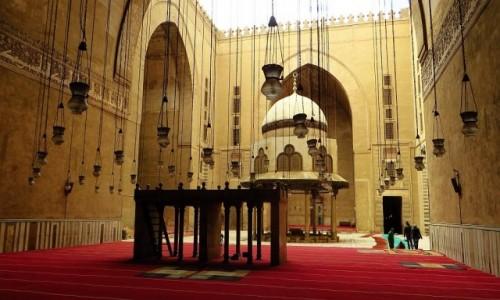 Zdjęcie EGIPT / Kair / Kair - dzielnica muzułmańska / meczet sułtana Hassana - widok na dziedziniec