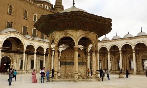 Zdjęcie EGIPT / Kair / Kair - dzielnica muzułmańska / meczet Muhammada Alego - dziedziniec