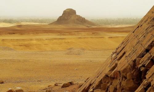 Zdjecie EGIPT / Nekropolia Memficka / Dahszur / widok na piramidę Czarną