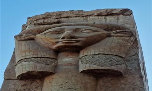 EGIPT / Teby / Deir el-Bahari  / Bogini HATHOR w Świątyni Hatszepsut