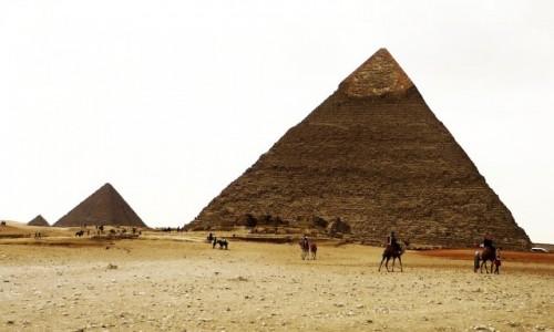 EGIPT / Nekropolia Memficka / Giza / Piramidy
