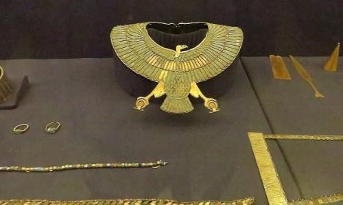 Zdjecie EGIPT / Kair / Kair - Muzeum Egipskie / pektorał z grobowca Tutanchamona