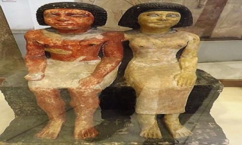 Zdjecie EGIPT / Kair / Kair - Muzeum Egipskie / małżonkowie