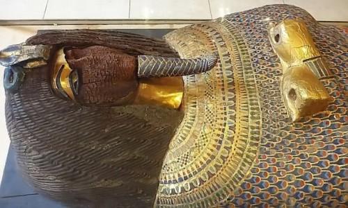 Zdjecie EGIPT / Kair / Kair - Muzeum Egipskie / trumna antropoidalna Echnatona