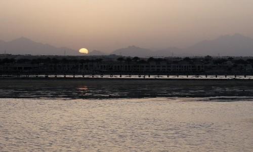 Zdjecie EGIPT / Prowincja Morza Czerwonego / Hurgada / o zmierzchu