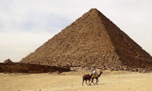 Zdjecie EGIPT / Giza / Jeden z cudów Świata / W poszukiwaniu turysty...