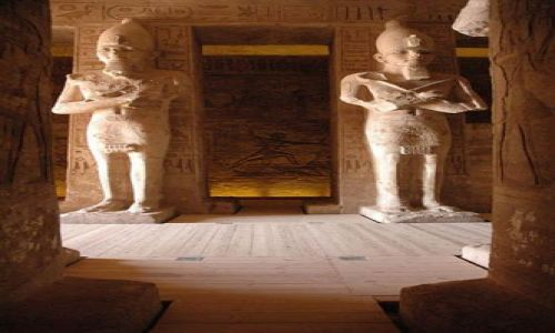 Zdjecie EGIPT / poniżej zwrotnika Raka / Nubia / główny hall swiatyni Abu Simbel