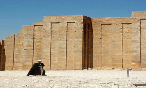 Zdjecie EGIPT / rejon Kairu / Sakkara / starożytna nekropola w Sakkarze