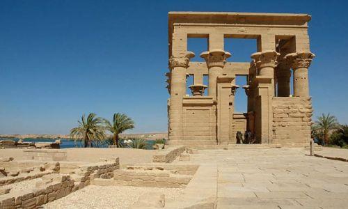 Zdjęcie EGIPT / Asuan / wyspa File / fragment swiątyni kultu  Izydy