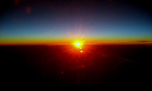 Zdjecie EGIPT / brak / gdzieś w przestworzach w drodze z Egiptu / Zachód słońca w samolocie