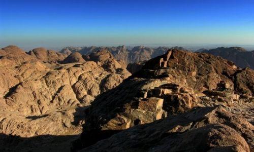 Zdjecie EGIPT / Synaj / góra Synaj / Widok z góry Synaj o wschodzie slońca