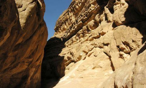 Zdjecie EGIPT / Synaj / Kolorowy Kanion / Przejście przez
