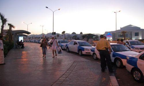 Zdjecie EGIPT / brak / Naama Bay / Postój taksówek