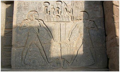 Zdjęcie EGIPT / Egipt część wschodnia / Luxor / Reliefy świątynne