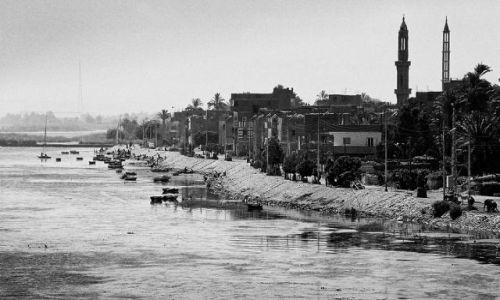 Zdjęcie EGIPT / Nil / Nil / mijane miasta