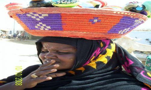 Zdjecie EGIPT / Egipt / wioska Nubijska / kobieta