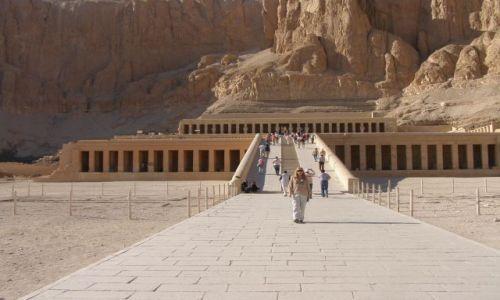 EGIPT / Zachidni Brzeg Nilu  / Luksor ( Teby ) / Świątynia Hatszepsut