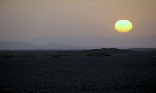 Zdjecie EGIPT / Pustynia Wschodnia (Arabska) / la Queta / Zachod