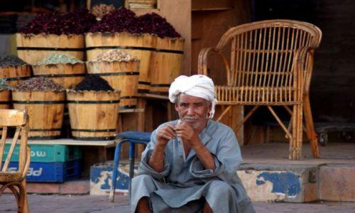 Zdjecie EGIPT / brak / Sharm / Old Market- ulubiony dziadzio:)
