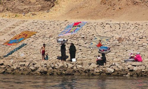 Zdjęcie EGIPT / gdzies / Nil / pralnia