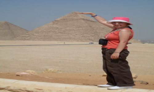 Zdjecie EGIPT / Kair / pod piramidami / podpiramidami